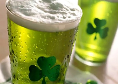 St._Patricks_Day_green_beer_shamrock-493x350
